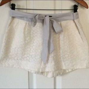 """🛍I """"heart"""" Ronson lace shorts. (A4)"""